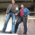 Thilo Schmidt und Rolf Niebel vor dem Funkhaus Nalepastrasse in Berlin-Schoeneweide. Foto: Deborah Boehm